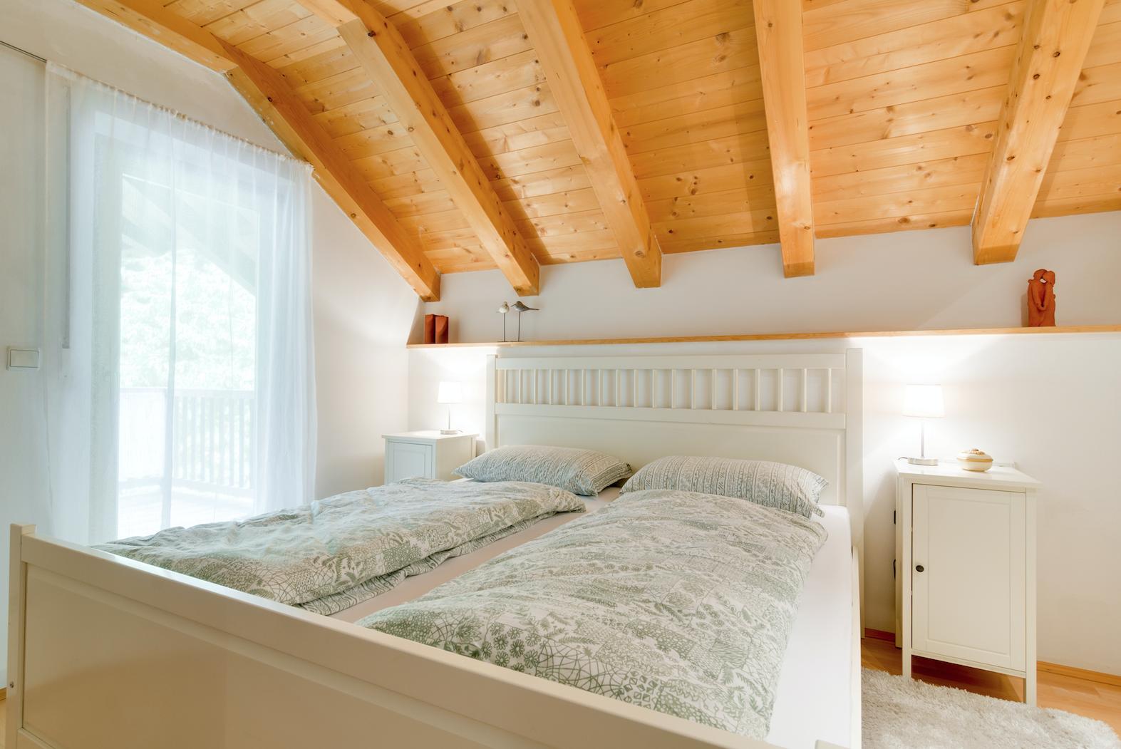 Schlafzimmer Mansarde Hafling